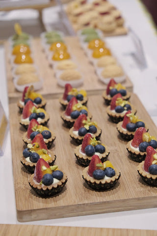 30 pieces of Fresh Fruit Tartlets-eat cake today-the cake show-media event