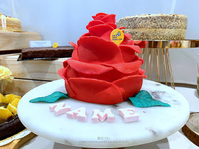 eat cake today-cake delivery-the cake show-cake trends 2020-Ring O' Roses Cake