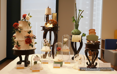 eat cake today-cake delivery-the cake show-cake trends 2020-chocolate showpiece-sugar flower