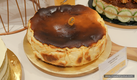 eat cake today-cake delivery-the cake show-cake trends 2020-salted egg cheesecake