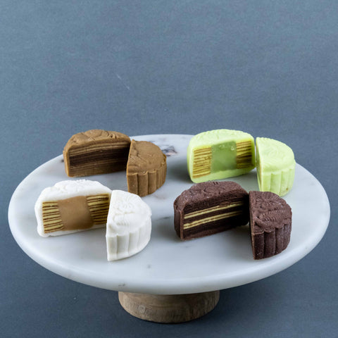 4 Pieces of Kek Lapis Mooncake - Mooncake - Lavish Patisserie - - Eat Cake Today - Birthday Cake Delivery - KL/PJ/Malaysia