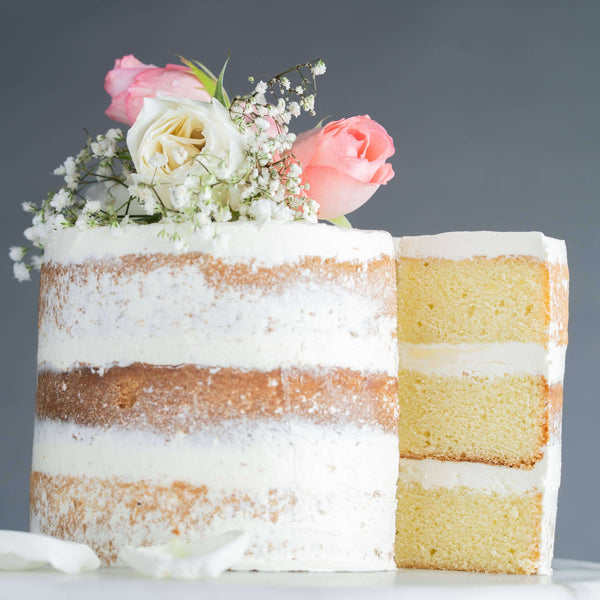 Naked Cake With Fresh Flowers 6