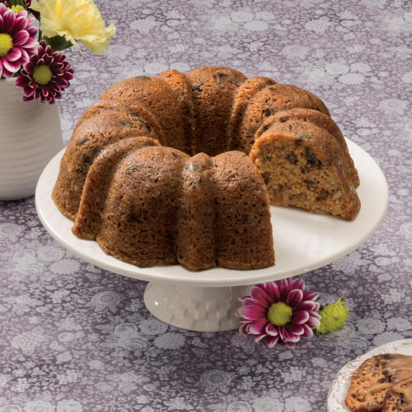 Spice Bundt Cake with Flowers