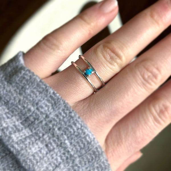 R030 Parallel Gem Ring