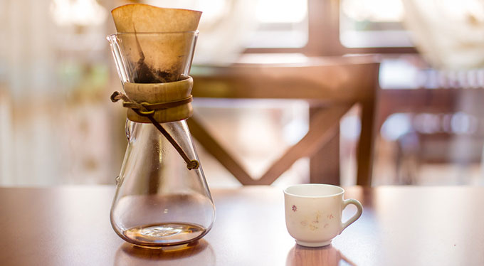 How to Use a Chemex Coffee Maker