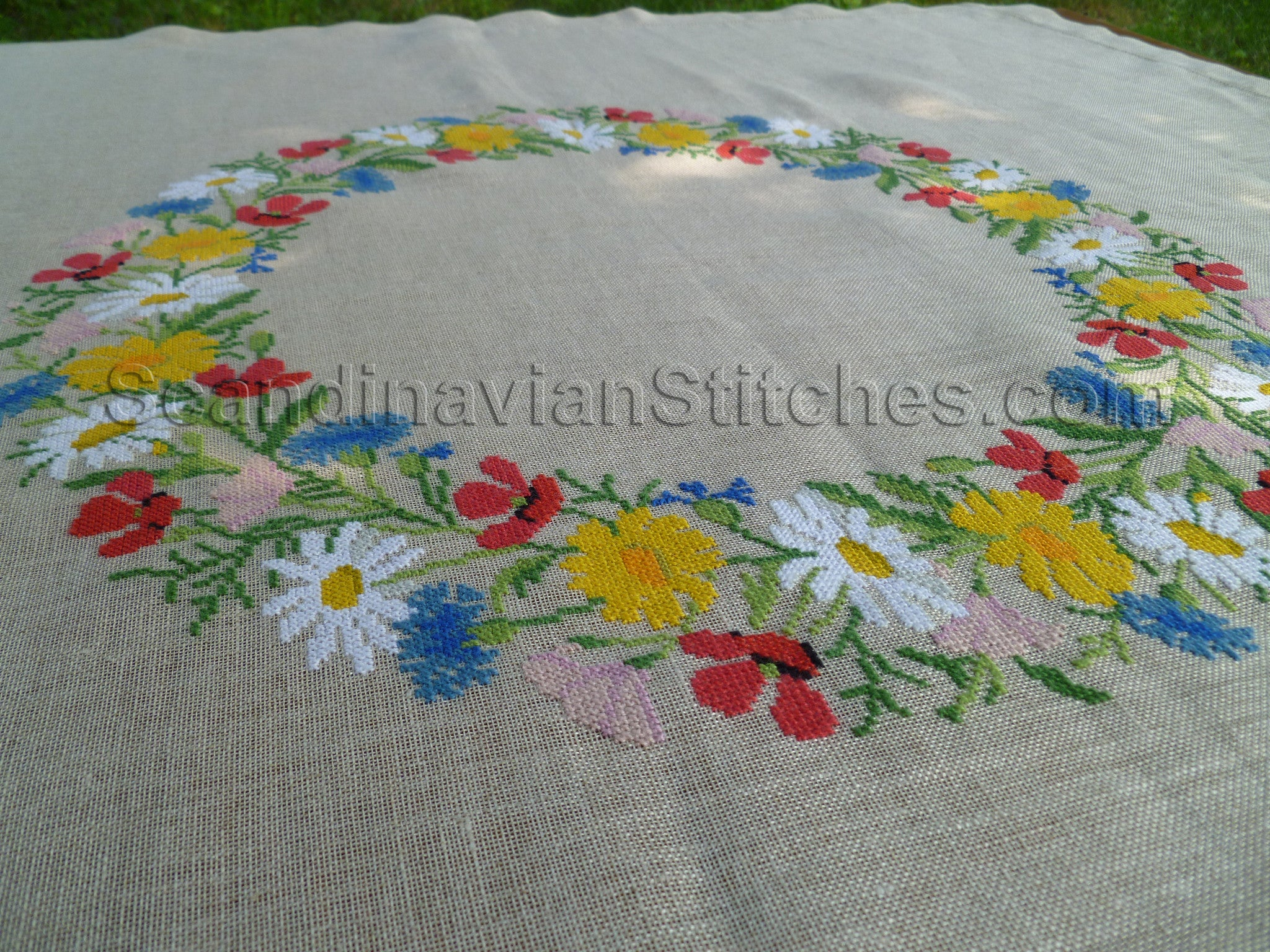 Summer Garland Tablecloth