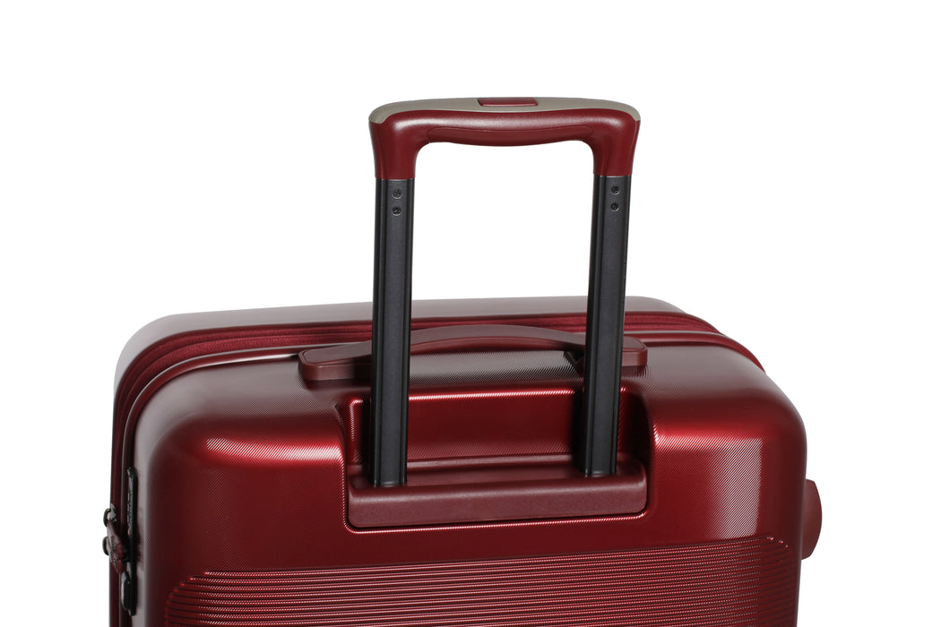 IT Luggage 8-Wheel Autograph Spinner Set