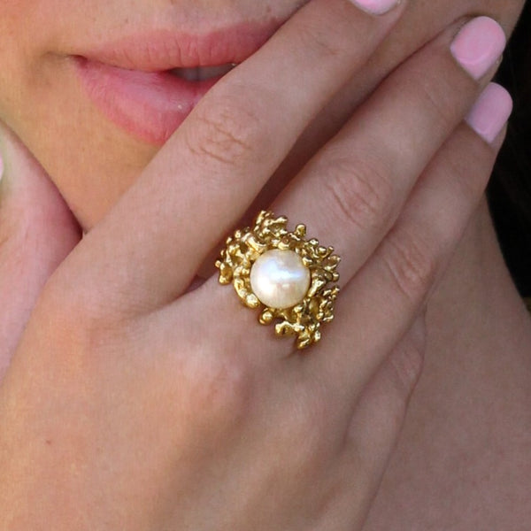 Abstract pearl ring