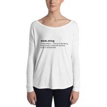 Momming Definition Ladies' Long Sleeve Tee