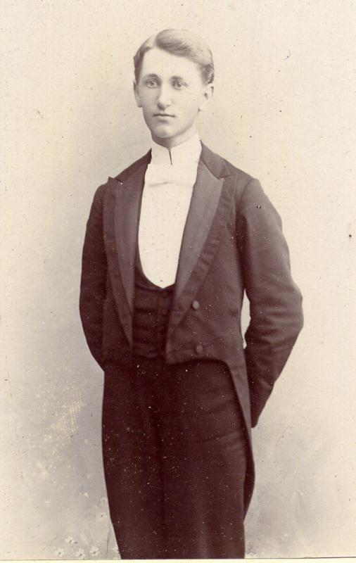 White bow ties with tailcoat as featured in France in the 19th century