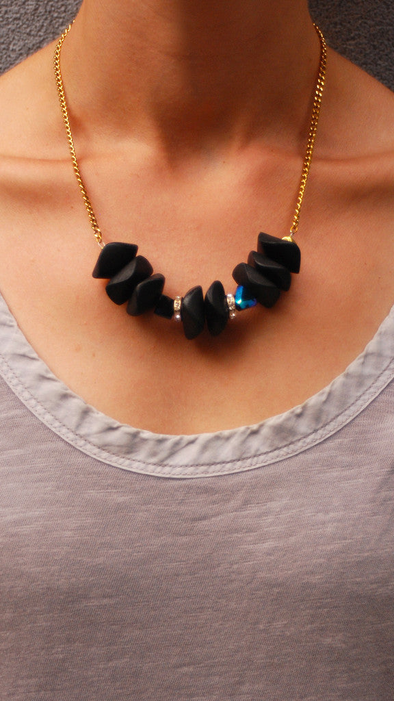 Black Pebbles Necklace