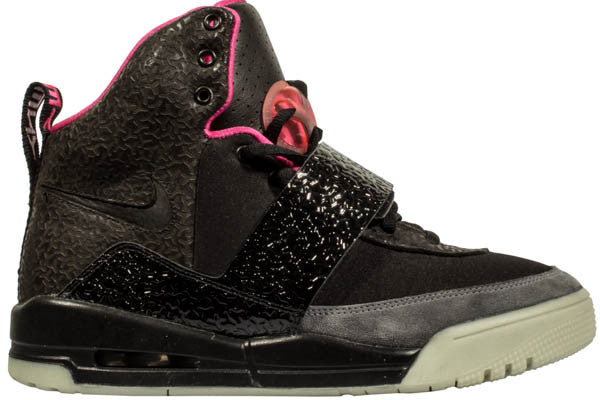 "NIKE AIR YEEZY ""BLINKS"""