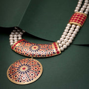Innayat Pearl Necklace