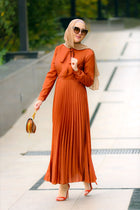 Solid Pleats dress