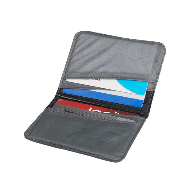 Sea to Summit Travelling Light RFID Card Holder - Jetsettr.com.au - 1
