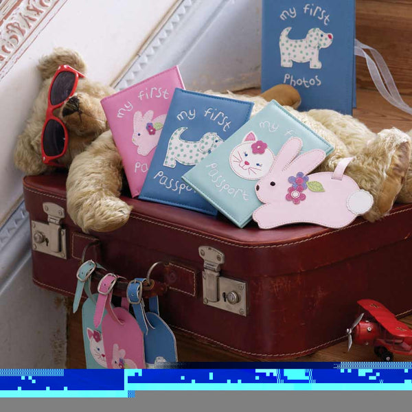 Bombay Duck Passport Cover & Luggage Tag GIFT SET - Baby Globe Trotter - Jetsettr.com.au - 2