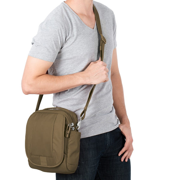 pacsafe Metrosafe™ LS200 anti-theft shoulder bag - Jetsettr.com.au - 6
