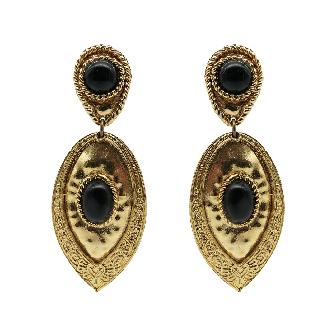 Queendom Teardrop Dangles