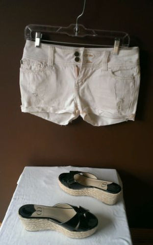 Hollister CO white distressed denim shorts Sz 5, excellent condition