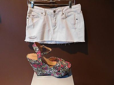 Hollister California white mini distressed skirts Sz 5, excellent condition