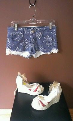 Vanilla Star denim shorts, Sz 9, excellent condition