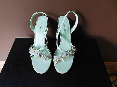 New NEXT lit green Summer sandals Sz 6M