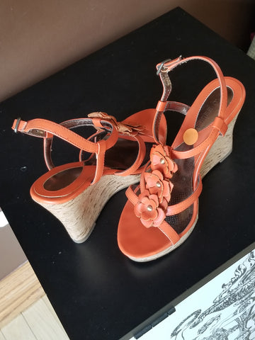 Ciao Bella orange wedged, Sz 6.5