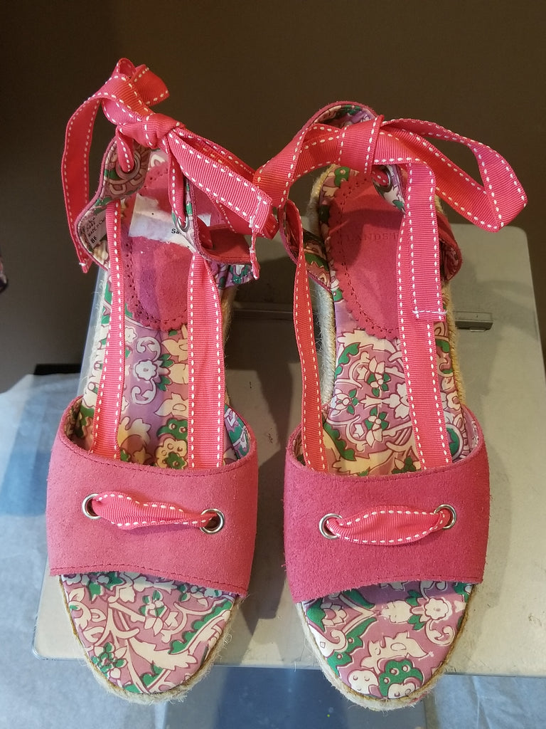 Lands' End pink sandals bow at the back, Sz 6.5