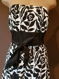 White House Black Market black & white floral dress, Sz 4