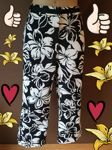 Westbound black and white floral capris, Sz 12 petite