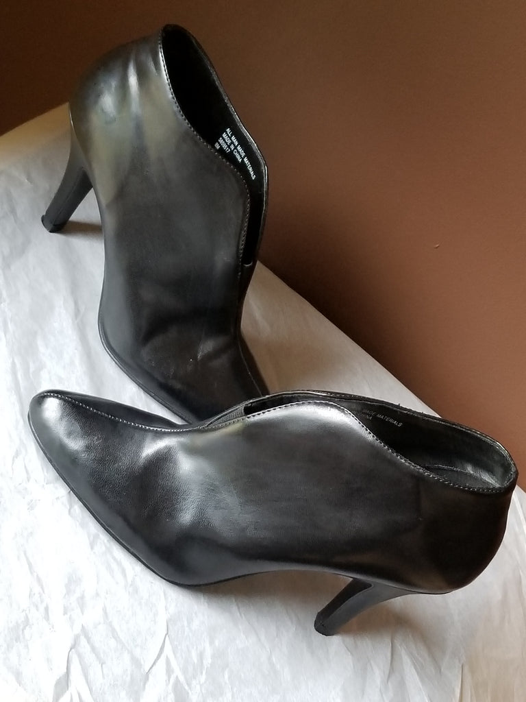 Diba fashionable black ankle boots, size 8 M
