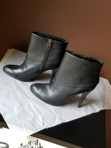 Marc Fisher trendy black ankle boots, size 5.5 M