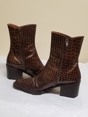 Gianfranco Ferre designer brown ankle boots, made in Italy, size 6