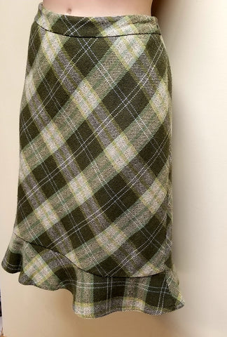 Ann Taylor Loft green plaid skirt, size 2 petite