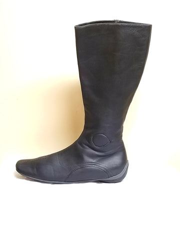 Miu Miu knee high black boots W/zip the side for closure, size EURO 40 (US 9)