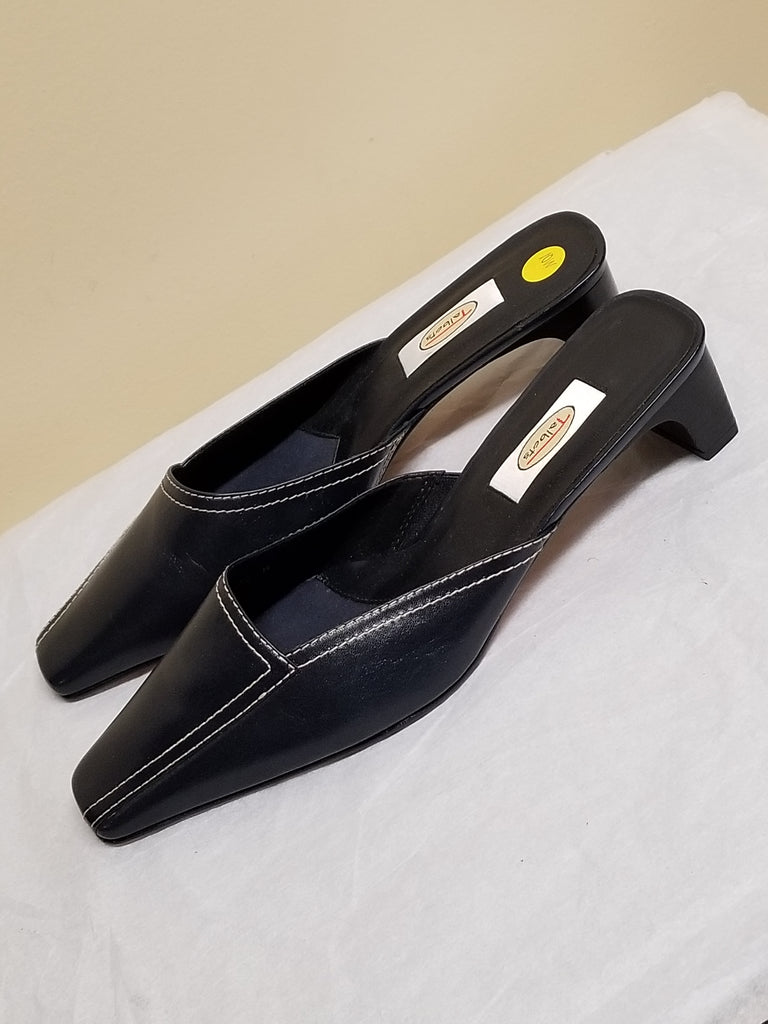 NEW Talbots navy blue sandals/mules size 10 W,