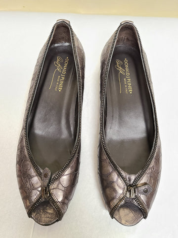 Donald J Pliner peeped to grayish/ silver flats, size 9.5 M, made in Italy