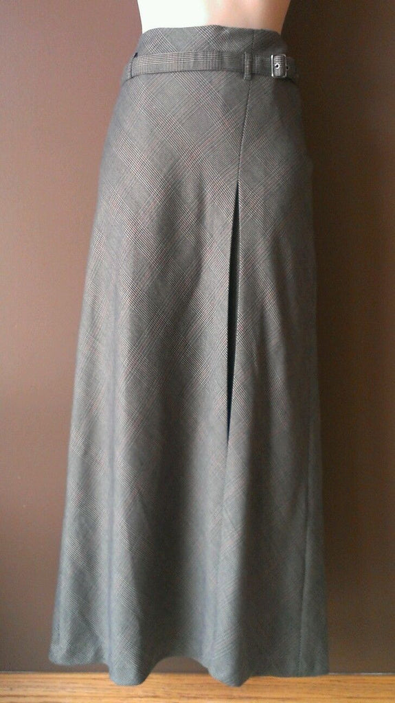 East5th long brown skirt size 4. Great for work and the Season!