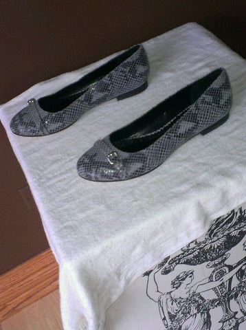 Brooks brothers gray flats size 8 M