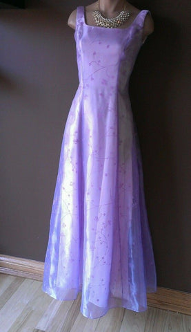 Dave and Johnny lavender formal dress size 2