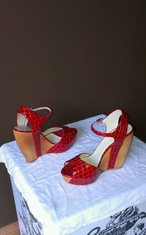 Red Velvet Angels wedged shoes Vero Cuoio Sz EURO 39 (8.5 U.S)