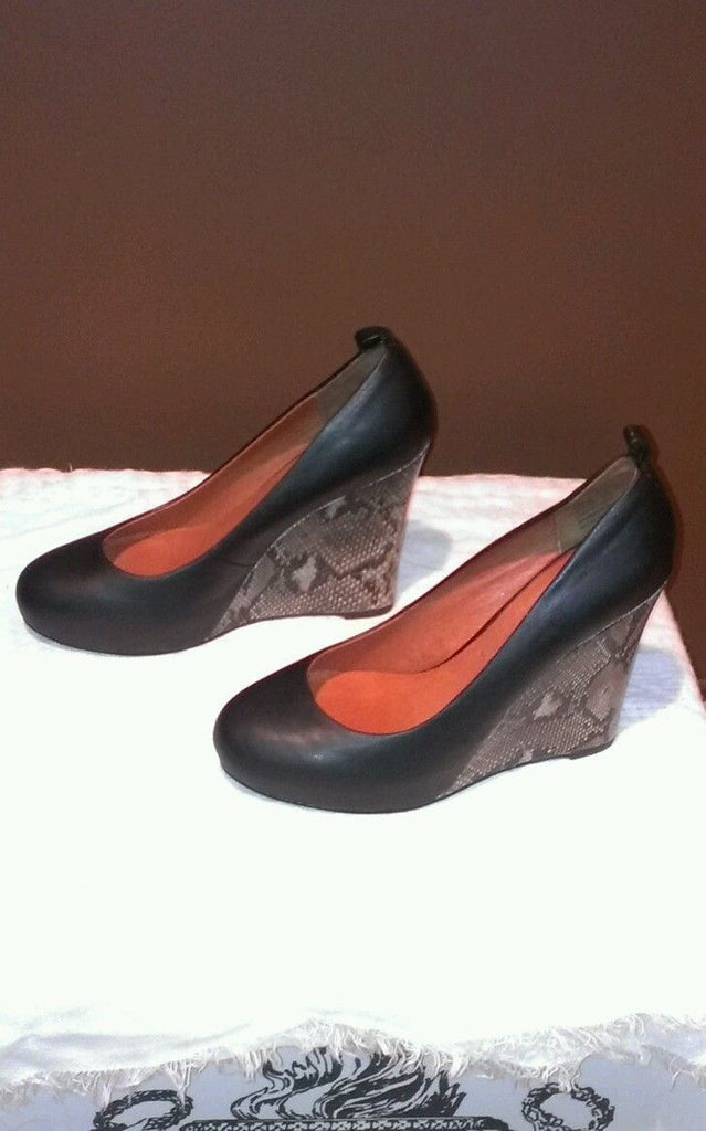 Jeffrey Campbell black wedged shoes Sz 8.5M