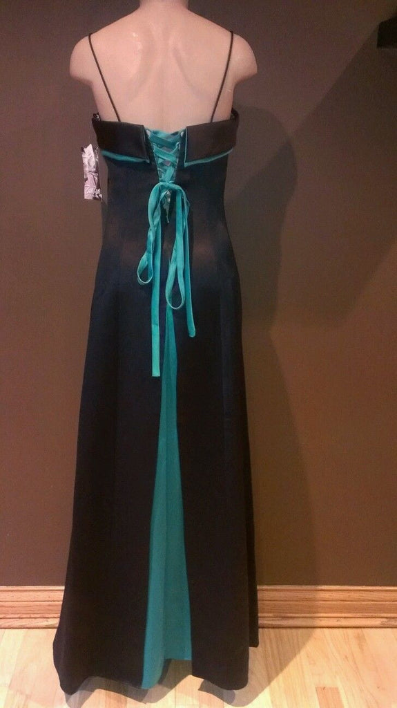 Zum Zum black and green formal dress by Niki Livas, Sz 11/12