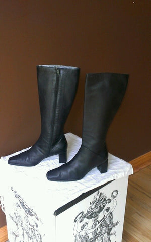 Stuart Weitzman black knee high boots Sz 7.5B