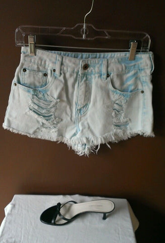 NEW Forever21 trendy blue denim distressed shorts Sz 26