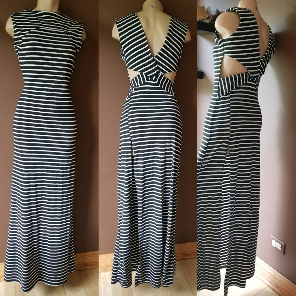 Love Nation fabulous trendy black and white stripped maxi dress, Sz medium