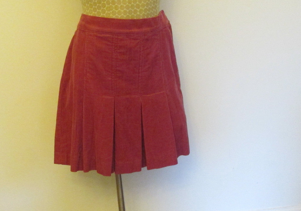 Juicy Couture ciclamino corduroy skirt Sz medium, New With Tags