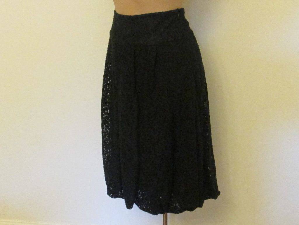 Kenzie black laced pintucked skirt Sz 4, excellent condition