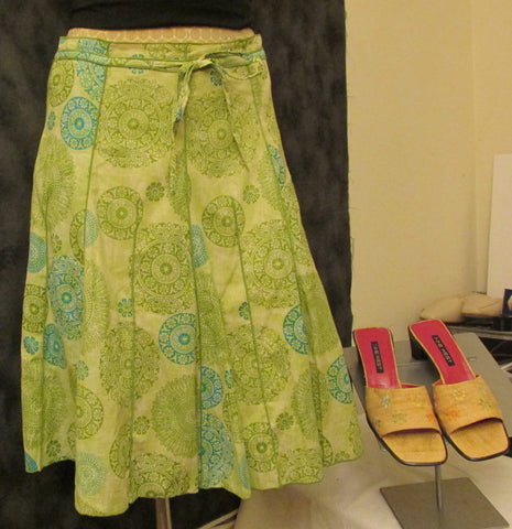 Pura Vida green skirt Sz 2, excellent condition!
