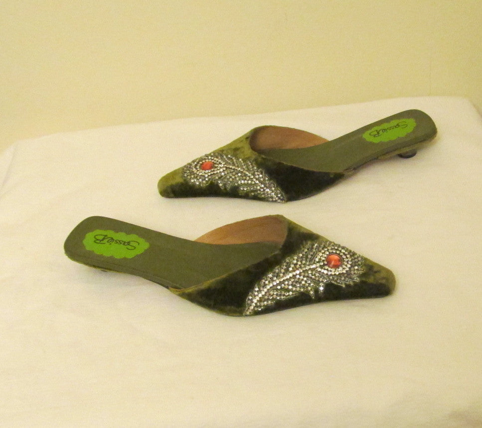 Sassie B London NEW Fall Sandals Size 7 (US) Green with encrusted gems.
